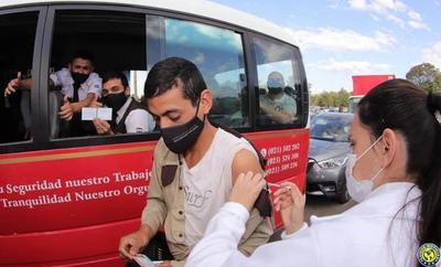 Ministerio otorgó 7.042 permisos a trabajadores para vacunarse contra el Covid-19 •