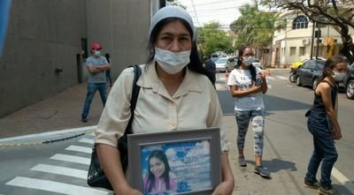 Mamá de Natalia Godoy denuncia que juez recibió dinero para cambiar la carátula del caso