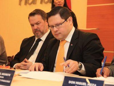 Titular de Tributación rechaza planteo de liberar IVA a la canasta básica · Radio Monumental 1080 AM