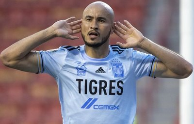 Carlos González marca el primer gol de la temporada para Tigres