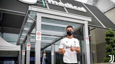 Cristiano, ovacionado en su regreso al centro deportivo de Juventus
