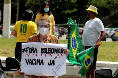 Brasil: Multitudinaria protesta contra el Gobierno pidiendo juicio político a Bolsonaro