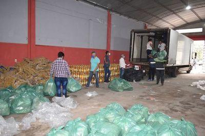 Pescadores de Ayolas reciben kits de víveres