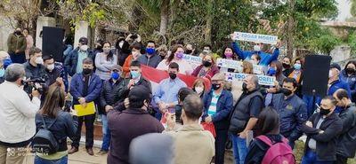 Denuncian que la ANR busca impugnar candidaturas a intendentes de siete distritos de Ñeembucú