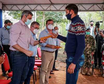 Yacyretá entregó aportes para educación y salud en Caazapá