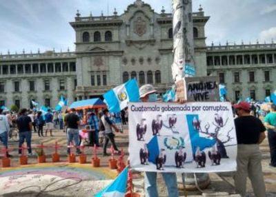 Por encima del clamor público, Guatemala sigue demoliendo iniciativas anticorrupción