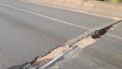Limpio: Grieta en viaducto arriesga a conductores
