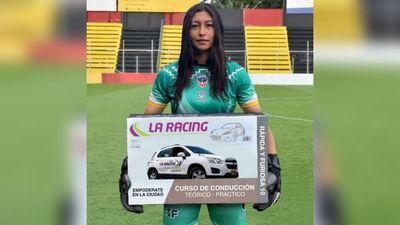Club premia a jugadora con curso de conducción y se acuerda de Olimpia