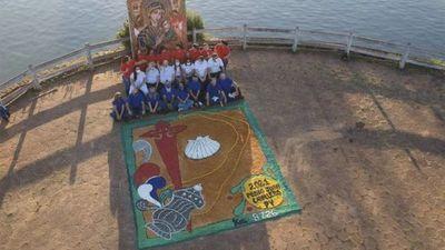 Alfombristas de Pedro Juan Caballero participaron del homenaje mundial al Xacobeo