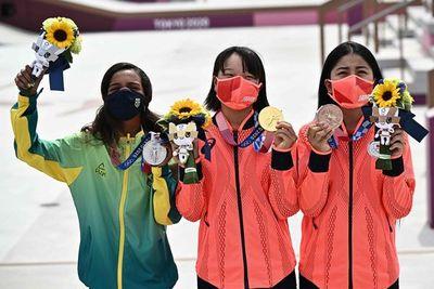 Skate olímpico: Dos adolescentes de 13 años, oro y plata en la prueba femenina