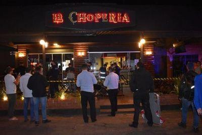 """Mortal ataque a tiros a pareja en céntrico restaurante de PJC, con la firma de """"Justicieros de la Frontera"""""""