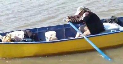 Crónica / Pescador rescató a perros de las aguas