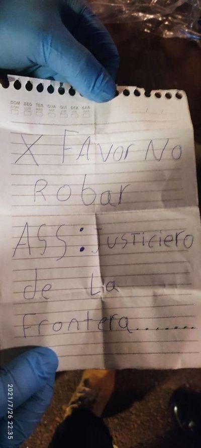 """Matan  a tiros a pareja en céntrico restaurante de PJC, con la firma de """"Justicieros de la Frontera"""""""