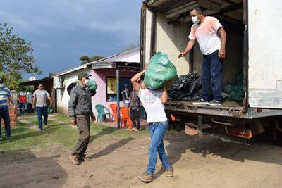 El Gobierno Nacional asiste con víveres a 1.045 familias de pescadores