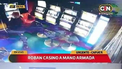 Motochorros armados asaltan casino en Capiatá