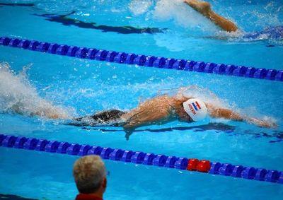Hockin: séptimo y eliminado en las semifinales de los 100 metros libre