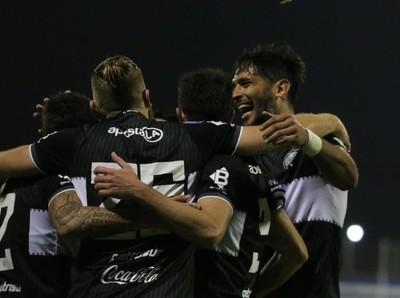 Olimpia golea en el cierre de la segunda fecha del Clausura