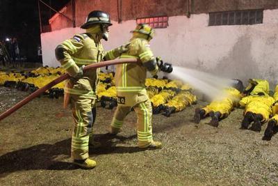 Juran nuevos bomberos voluntarios en la Estación 3 de CDE
