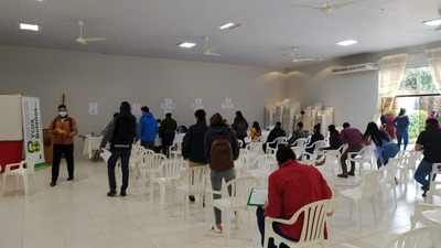EBY inició desembolso en concepto de becas a 708 universitarios de Caazapá