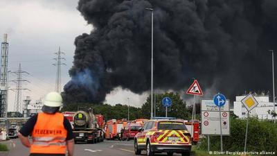 Explosión en planta química deja un muerto en Alemania