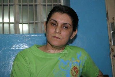 Crónica / Jueza dispone libertad de Carmen Villalba, pero seguirá en la cacerolita