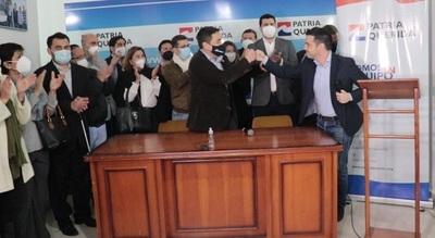 García declina candidatura y Nakayama es el candidato de la oposición