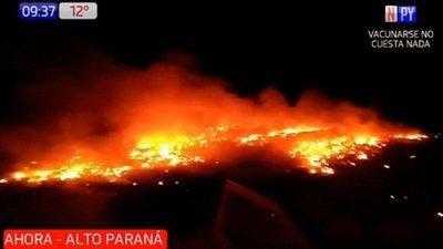 Arrestan a dos hombres por incinerar 100.000 cubiertas en Minga Guazú
