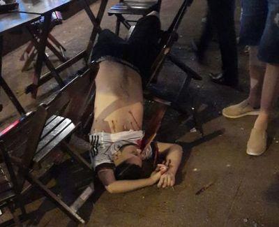 """""""Justicieros de la Frontera"""" matan a una pareja en un céntrico restaurant"""
