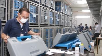 Alistan más de 2.000 máquinas de votación para continuar capacitaciones a nivel país