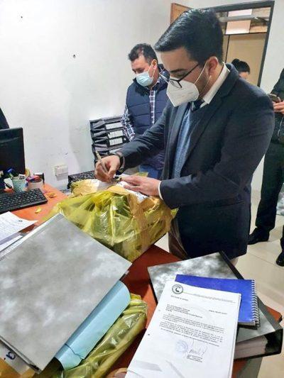 Incautan documentos y pendrives tras allanamiento en la Gobernación Central