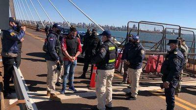 Extraditan de la Argentina a joven buscado por homicidio en Itapúa