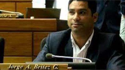 Diputado Jorge Brítez presentó proyecto de ley contra la discriminación a no vacunados