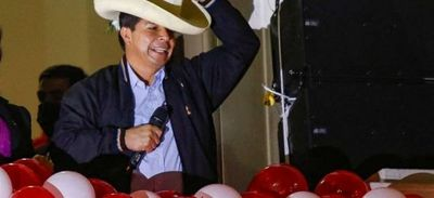 Pedro Castillo se apresta a tomar las riendas del convulsionado Perú