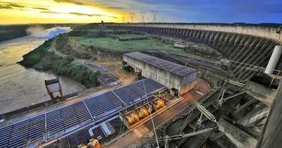 """La Nación / """"Paraguay debería invertir en infraestructura el excedente de Itaipú"""", sugiere economista"""