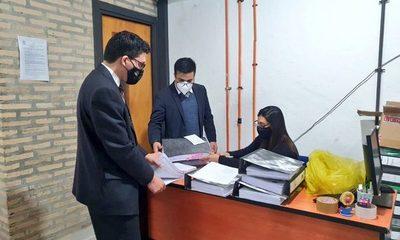 Allanan Gobernación de Central e incautan documentos y pendrives