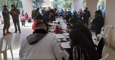 La Nación / Anuncian cierre de vacunatorio de Alto Paraná por falta de vacunas