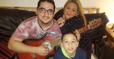 La Nación / Gracias a la solidaridad, Manuelito viaja a Argentina para su tratamiento