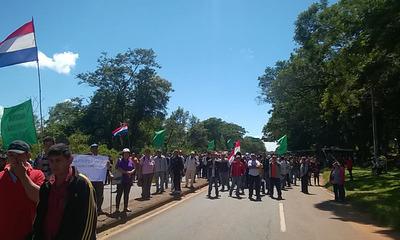 Pequeños productores anuncian manifestación ante falta de asistencia de la Gobernación