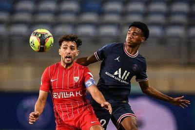 El Sevilla deja escapar la victoria ante el PSG en los instantes finales