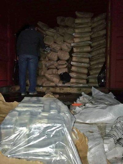 Incautan importante cargamento de droga en Fernando de la Mora