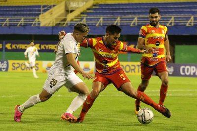 Cristóbal Colón vuelve a eliminar a un equipo de Primera por penales
