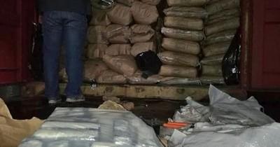 La Nación / Incautan gran cargamento de cocaína en Fernando de la Mora