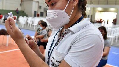 Salud cambiará   estrategias   para llegar a no vacunados