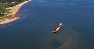 La Nación / Puertos privados unidos avanzan en trabajos de dragado del río Paraná