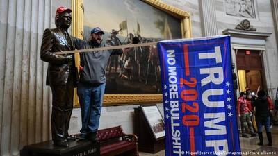"""EE.UU.: ataque al Capitolio buscaba """"perturbar la democracia"""""""