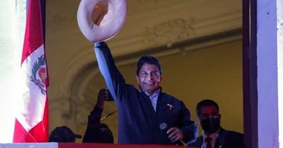La Nación / Pedro Castillo asume hoy como presidente en el bicentenario de Perú