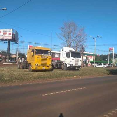 Camioneros realizan paro por incumplimiento de acuerdo