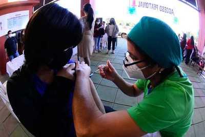 Hoy terminan las vacunas para primera dosis