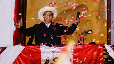 Pedro Castillo asume Presidencia de Perú con la presencia del rey de España y seis mandatarios latinoamericanos