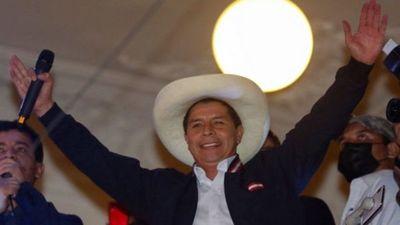 Pedro Castillo: el desafío de gobernar un país dividido y con el Parlamento en contra